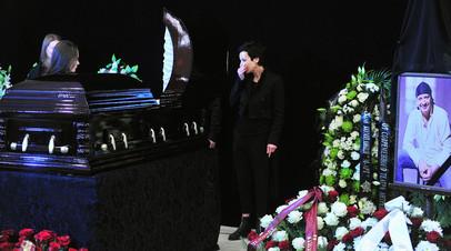 «Несвоевременная помощь»: следствие назвало основные версии причины смерти актёра Марьянова - «Россия»