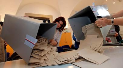 Члены избирательной комиссии на выборах в Праге