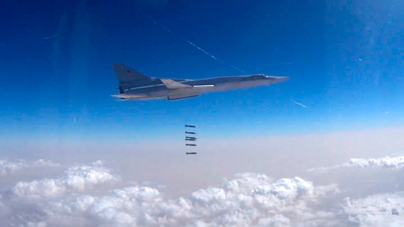 В Минобороны заявили о нанесении авиаударов Ту-22М3 по позициям ИГ в районе Абу-Камаля