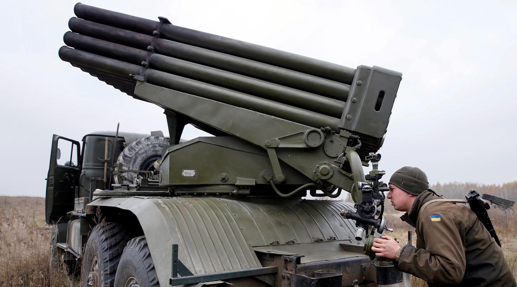 «Пусть вспомнит Дебальцево»: в Донбассе ответили на заявления Порошенко о ракетных войсках