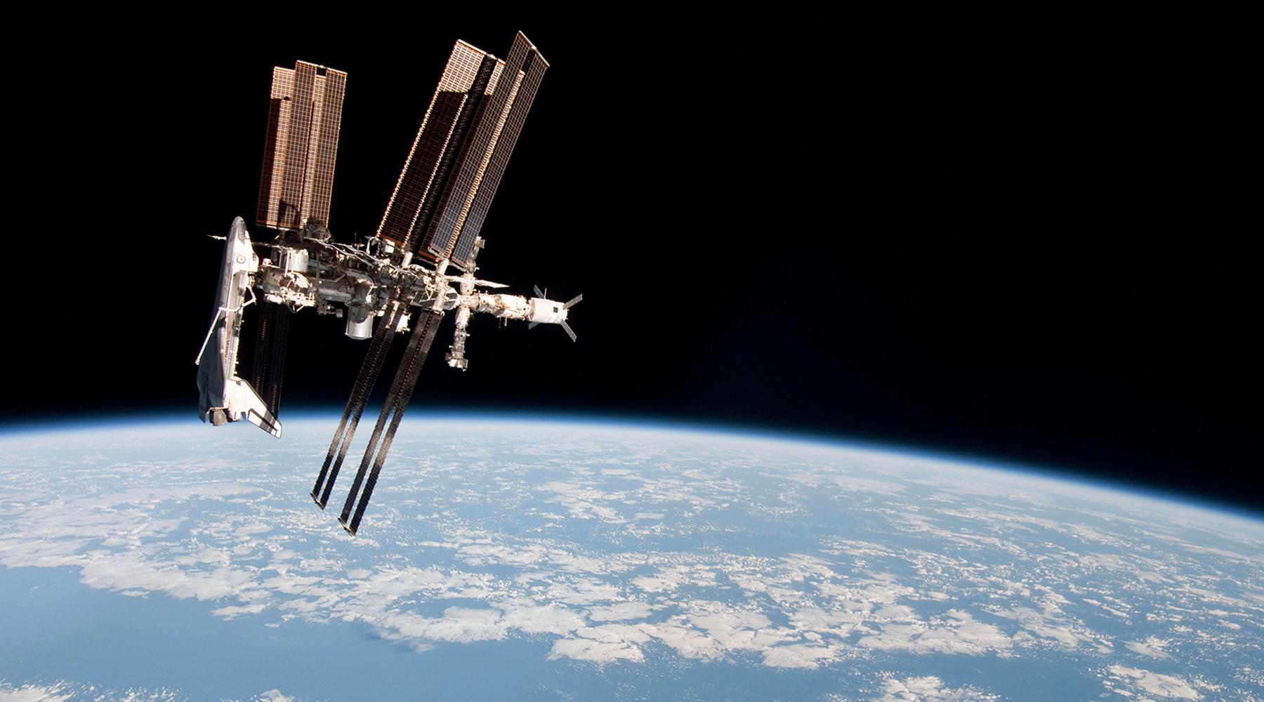 Места с доплатой: США придётся продлить контракты с Россией, чтобы сохранить присутствие своих астронавтов на МКС