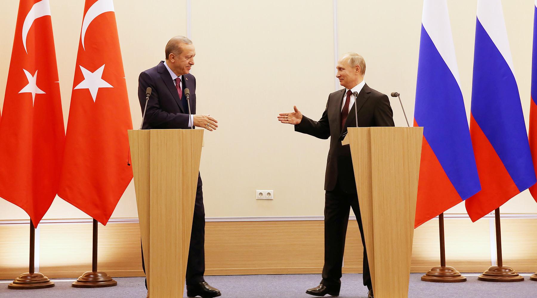 «Оперативно и результативно»: Путин и Эрдоган подвели итоги переговоров в Сочи