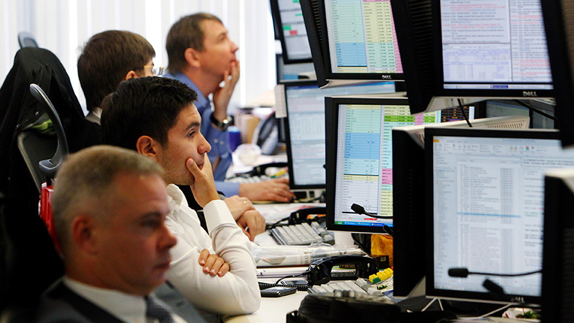 Плановое ослабление: что будет с рублём к концу 2017 года