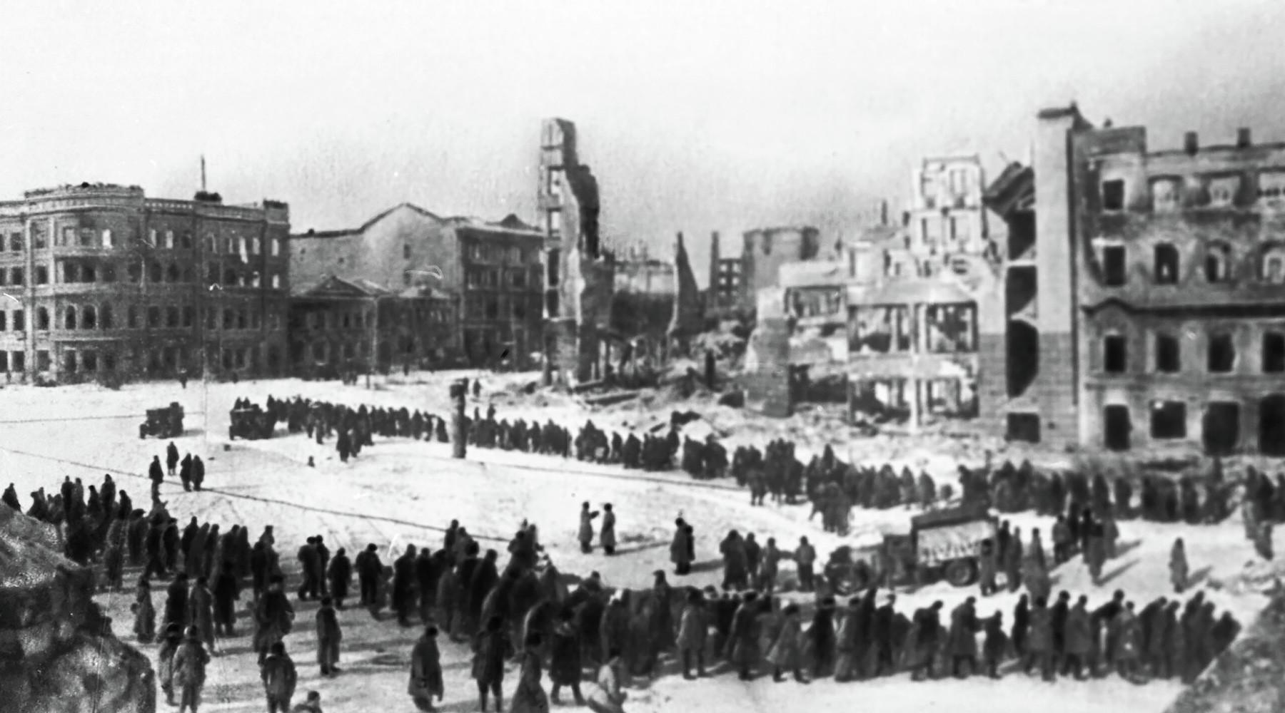 75 лет назад советские войска начали контрнаступление под Сталинградом»