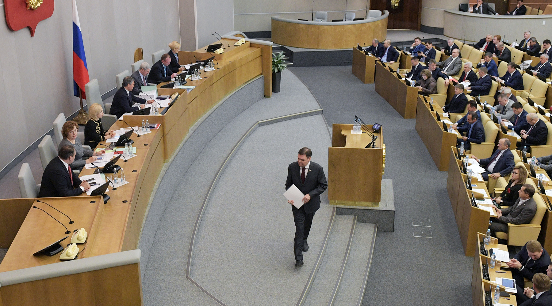 俄国家杜马1月12日或一读审议媒体外国代理人法案