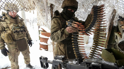 Бойцы ВСУ на линии фронта возле Авдеевки