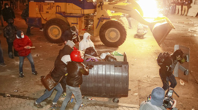 Сторонники «евромайдана» атакуют сотрудников правоохранительных органов, Киев