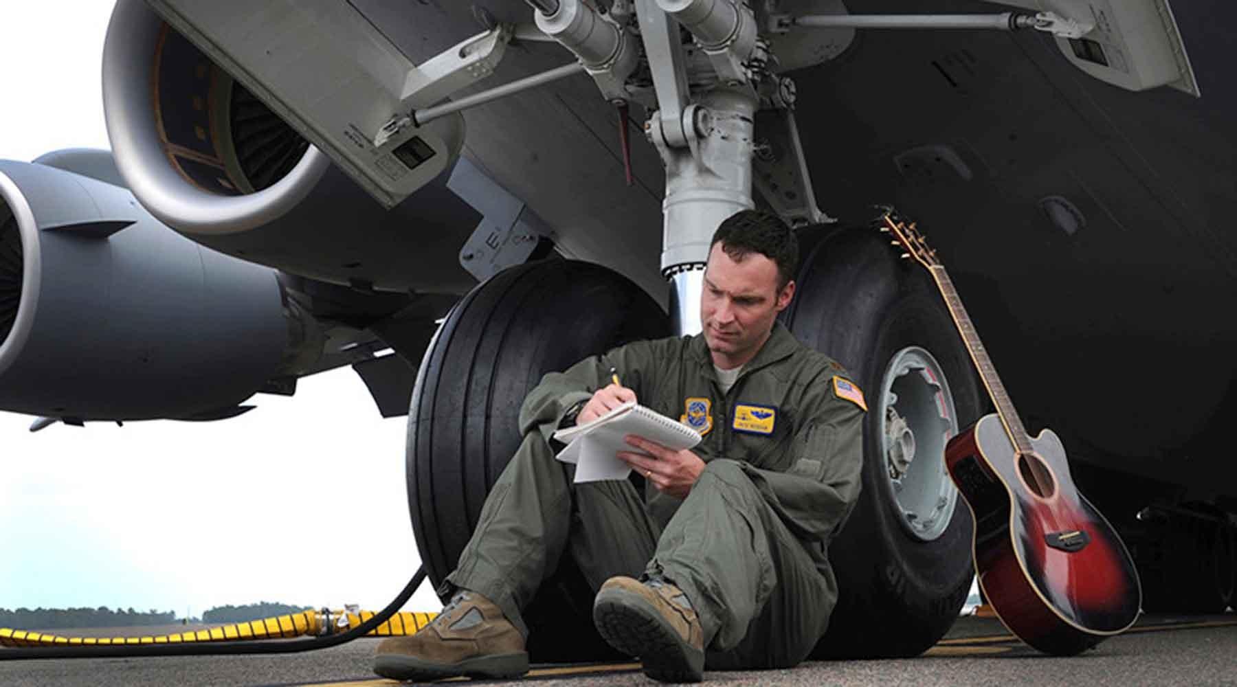 ВВС США наймут психологов для борьбы со шпионами