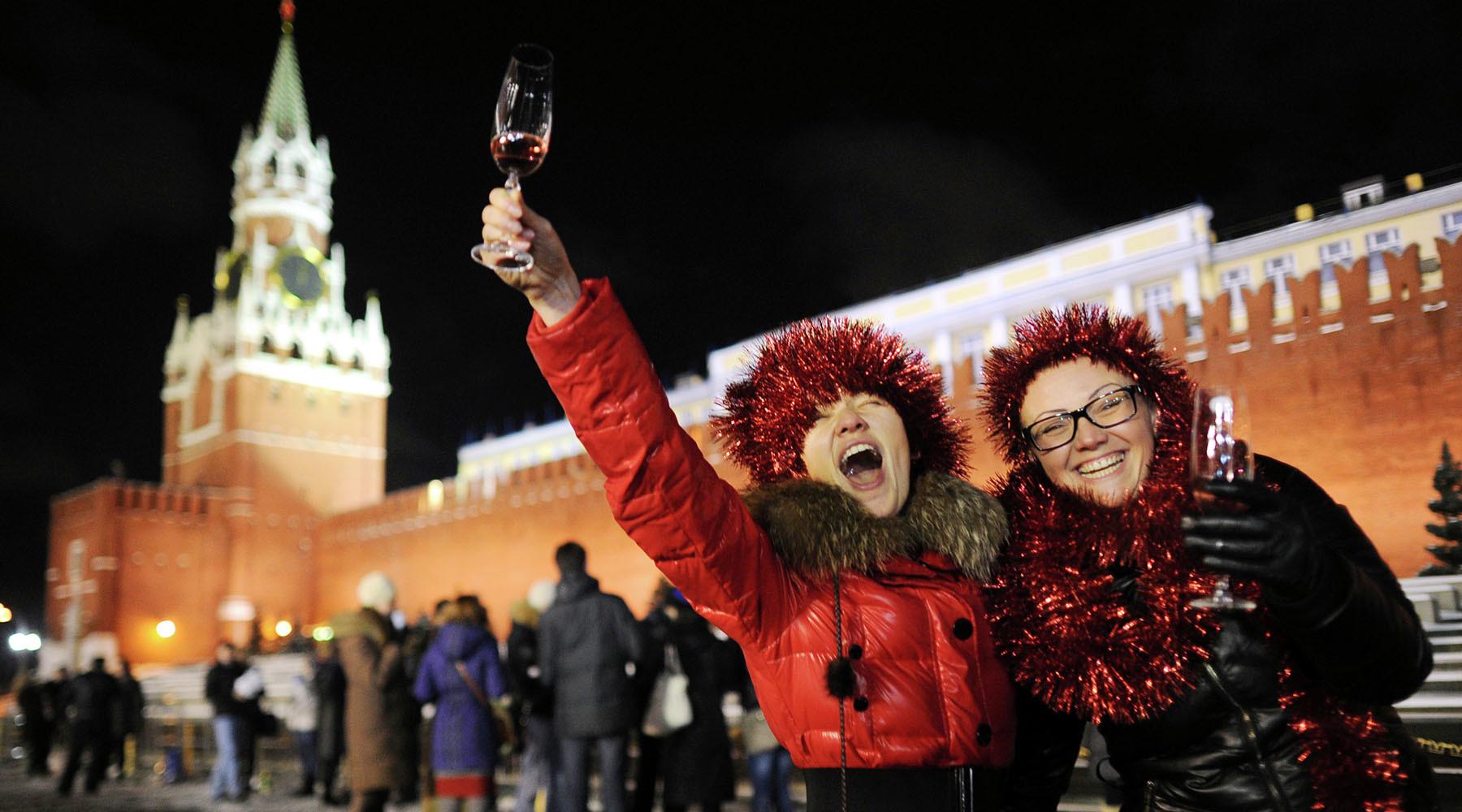 В России предлагают разрешить продавать шампанское круглосуточно в Новый год и Рождество