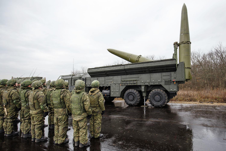 ЕС обеспокоен «милитаризацией» Калининграда и Крыма со стороны России