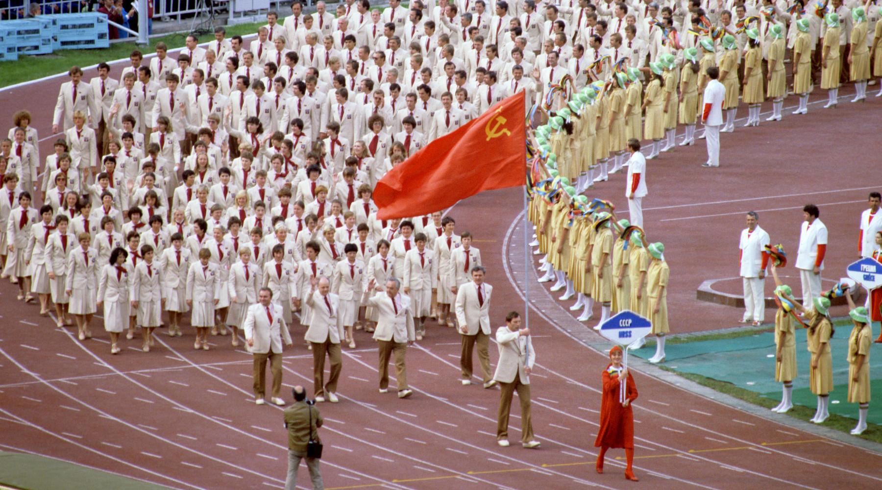 какое политическое давление испытывали СССР и Россия во время выступления на Олимпийских играх»