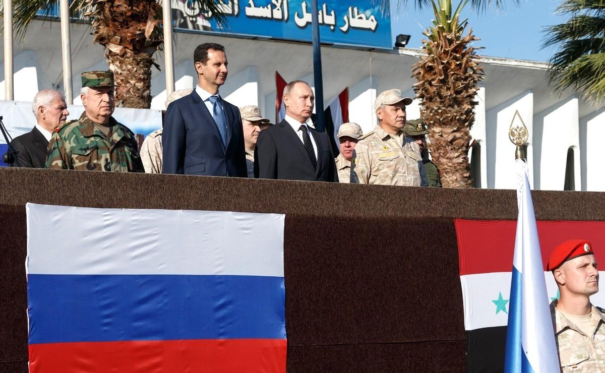Картинки по запросу Сирия. Визит Путина на российскую авиабазу Хмеймим