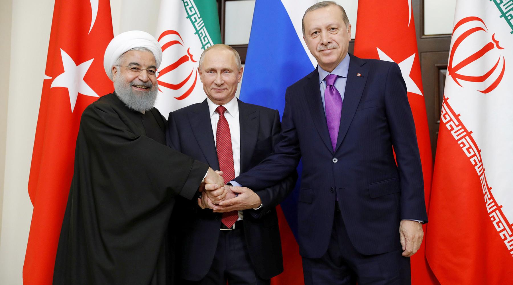 Российские военные начали возвращаться домой из Сирии