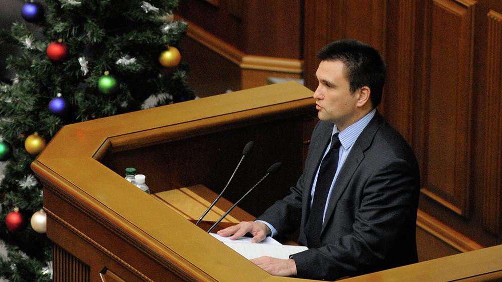 «Повторил за американцами»: почему глава МИД Украины пообещал России новые санкции