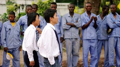 Китайские подрядчики с рабочими, Конго