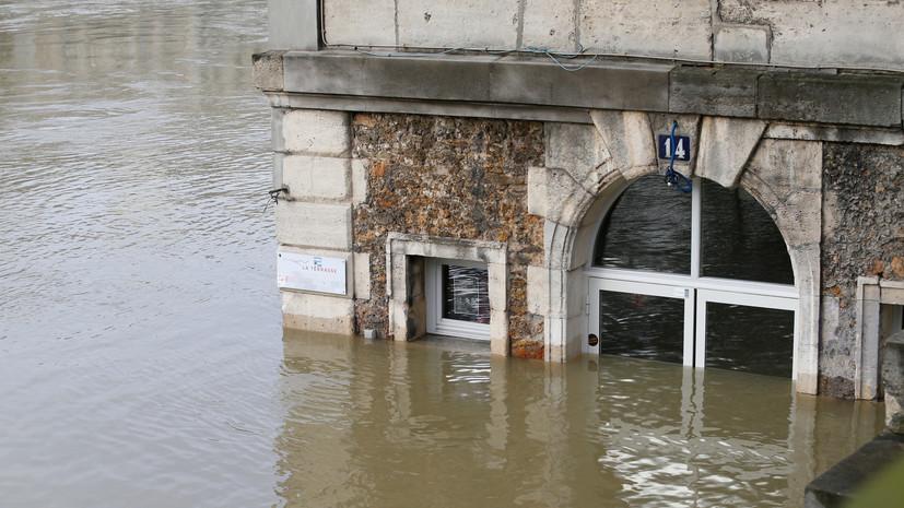 Уровень воды в Сене на территории Парижа достиг пика