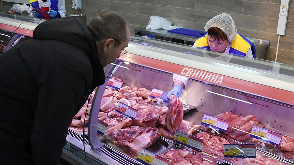«Иск Москвы будет выше»: в России отреагировали на планы ЕС взыскать €1,4 млрд за эмбарго на поставки свинины