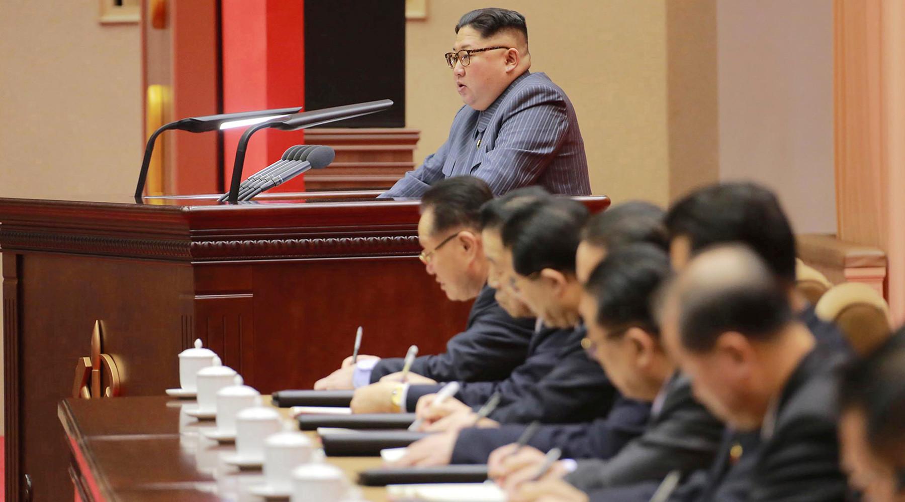 США хотят транслировать в КНДР радиопрограммы для просвещения граждан по вопросам прав человека
