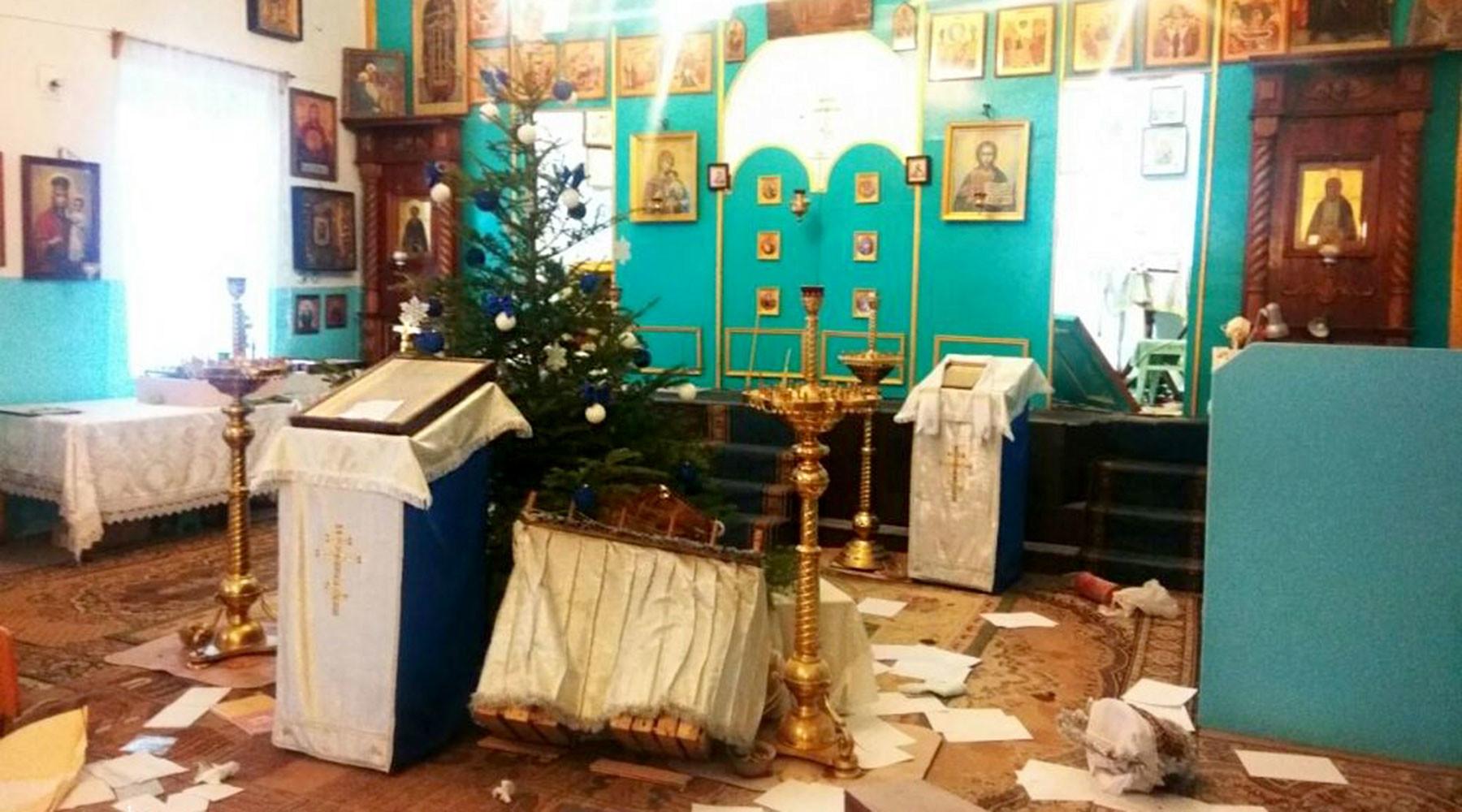 радикалы совершили нападение на храм УПЦ Московского патриархата под Одессой