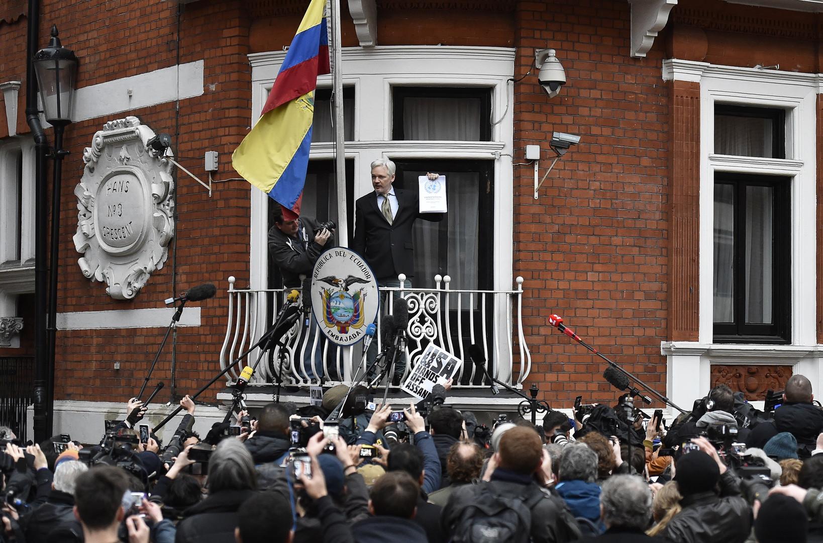 «Посольство Эквадора встолице Англии желает освободиться от основоположника Викиликс» Джулиана Ассанжа