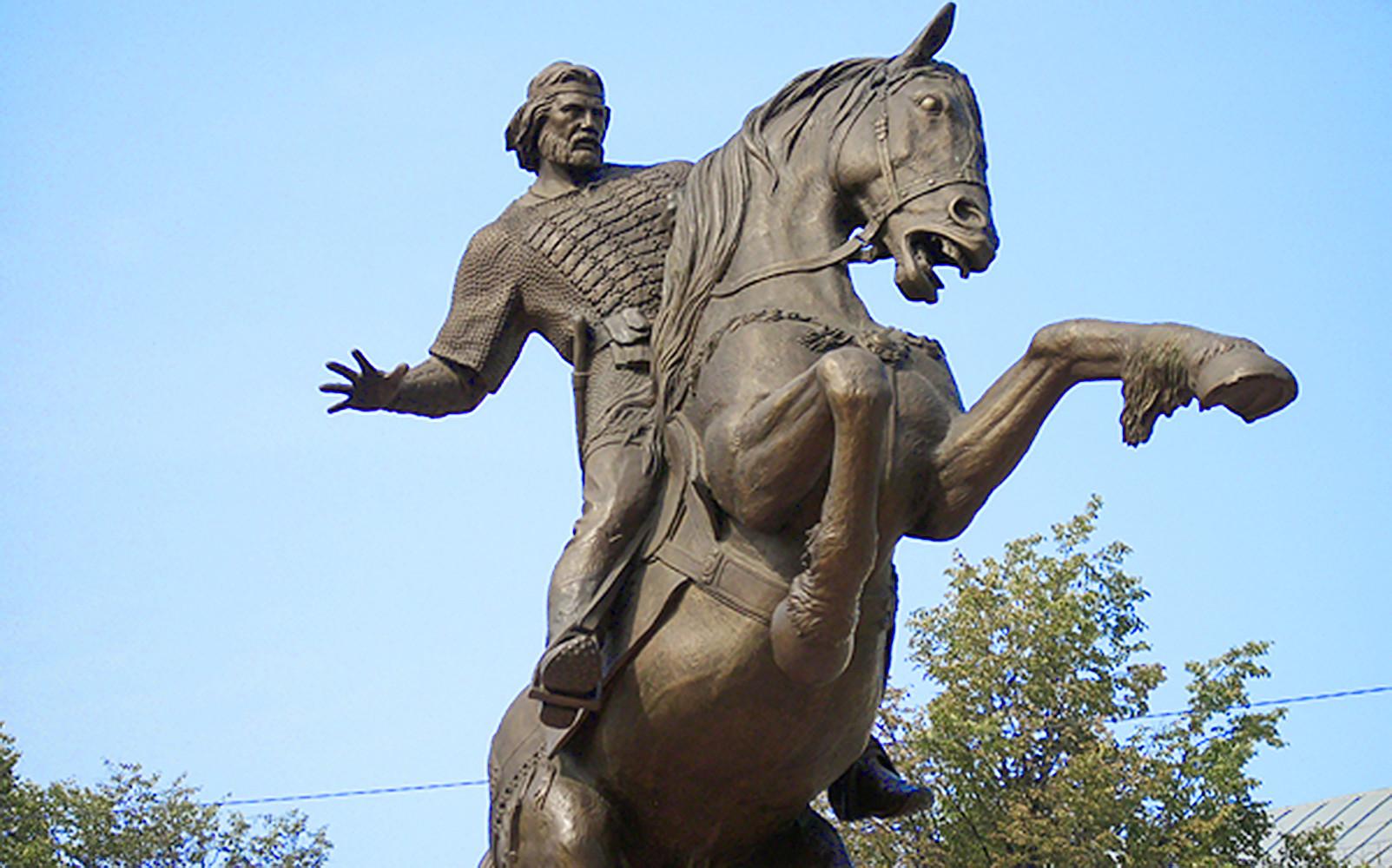 Что известно о легендарном русском воине Евпатии Коловрате