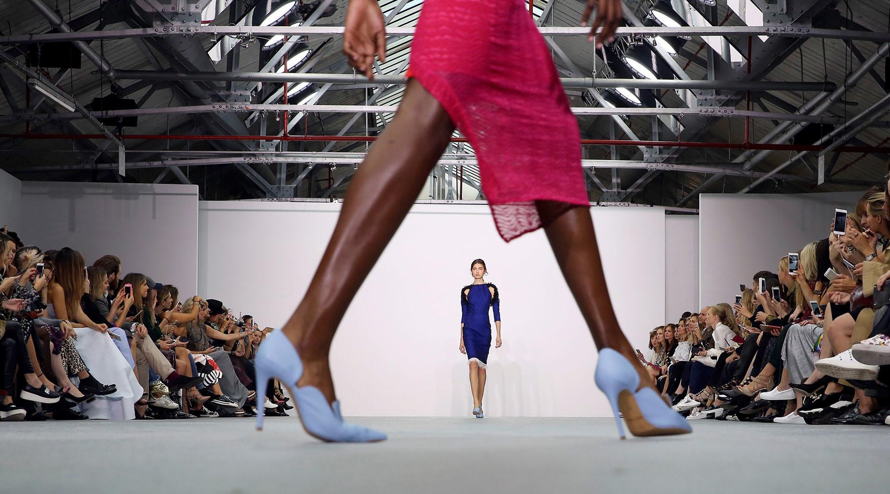 Милонов предлагает обязать магазины одежды ставить манекены неидеальных размеров