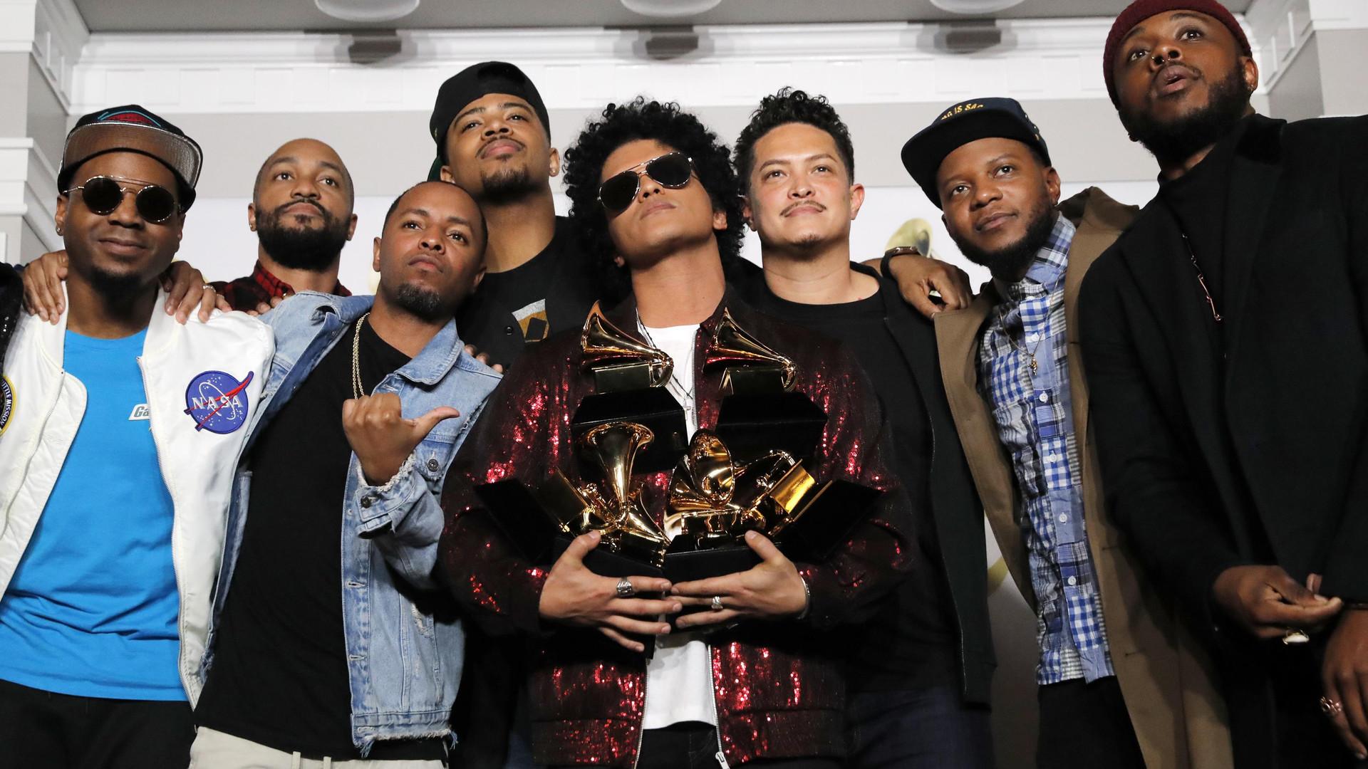 24K Magic Бруно Марса получил «Грэмми» как лучший альбом года