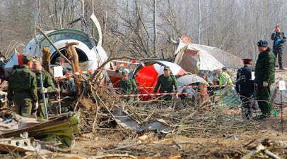 Спасательные службы продолжают работы на месте крушения польского правительственного самолёта Ту-154 под Смоленском