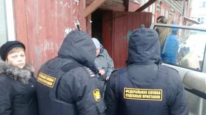 Приставы насильно выселили 88-летнего ветерана из дома в Брянске