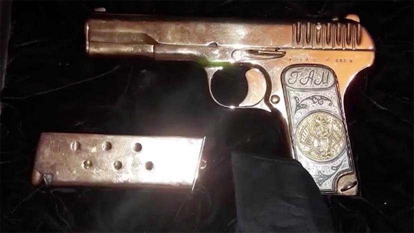 В ходе обыска у врио премьера Дагестана изъяты золотой пистолет и автоматы Калашникова