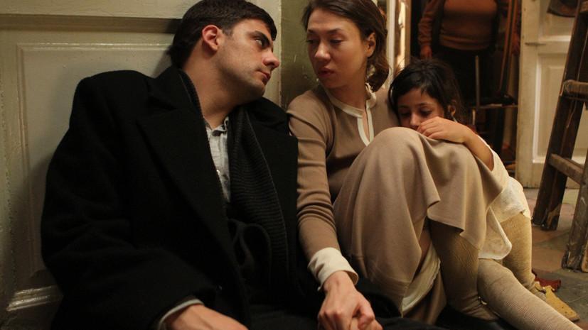 История о лишнем человеке: почему стоит посмотреть драму Алексея Германа — младшего «Довлатов»
