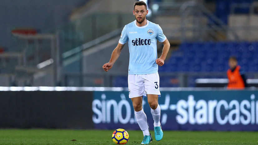 СМИ: «Зенит» зимой предлагал контракт футболисту «Лацио»