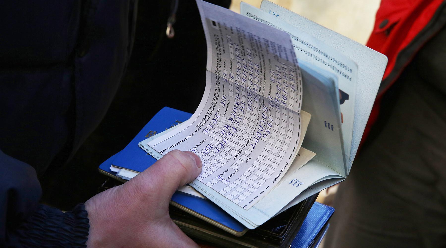 Вот, в статье 20 федерального закона от  документы для прописки в съемной квартире: подскажите, можно ли гражданину белоруссии сделать временную регистрацию сразу на год?