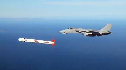 Испытания американской крылатой ракеты «Томагавк» в Калифорнии