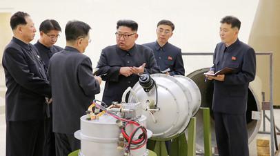 Ким Чен Ын дает указания по программе ядерного оружия