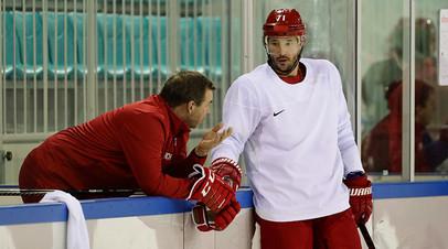 Олег Знарок и Илья Ковальчук во время тренировки