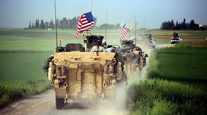 Военные США занимают позиции возле деревни Дарбасия, Сирия. Архивное фото