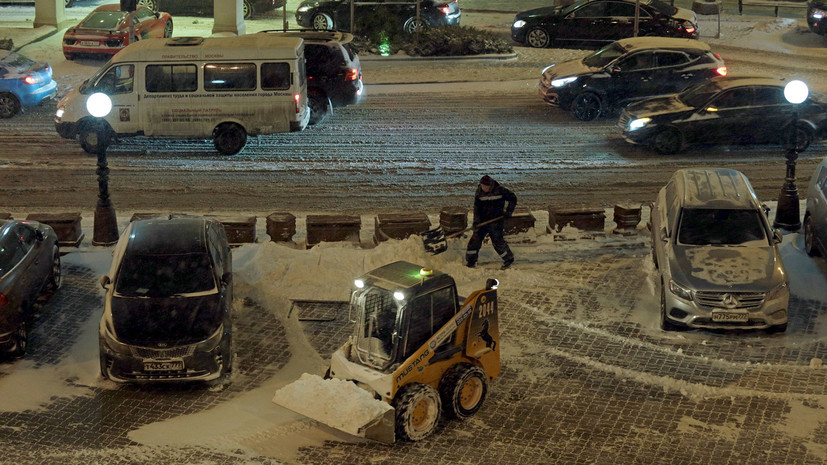 Власти Москвы призвали жителей пересесть на общественный транспорт 4 марта из-за непогоды