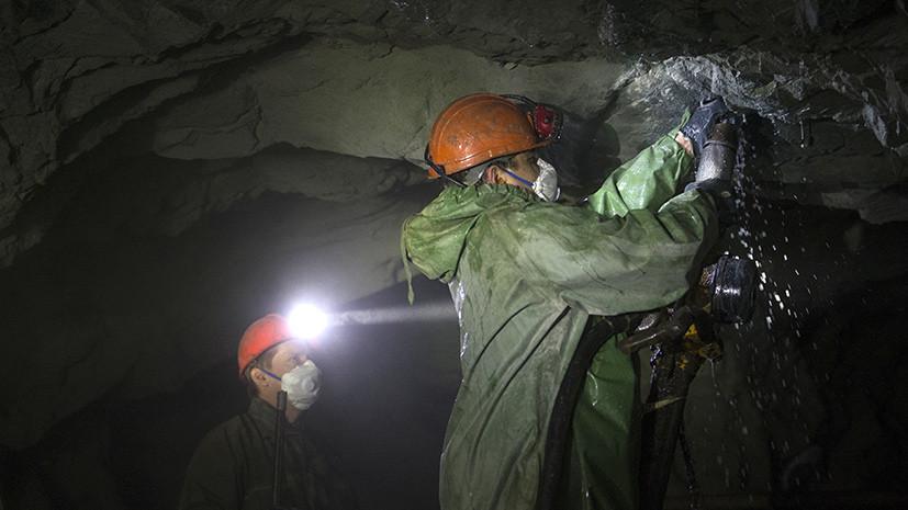 На закрытой шахте в Свердловской области пропали три человека