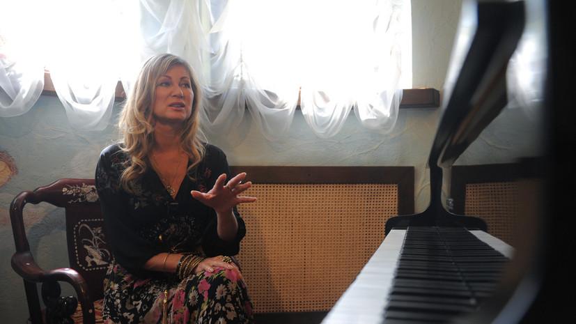 Певица Цыганова прокомментировала включение в чёрный список Минкультуры Украины