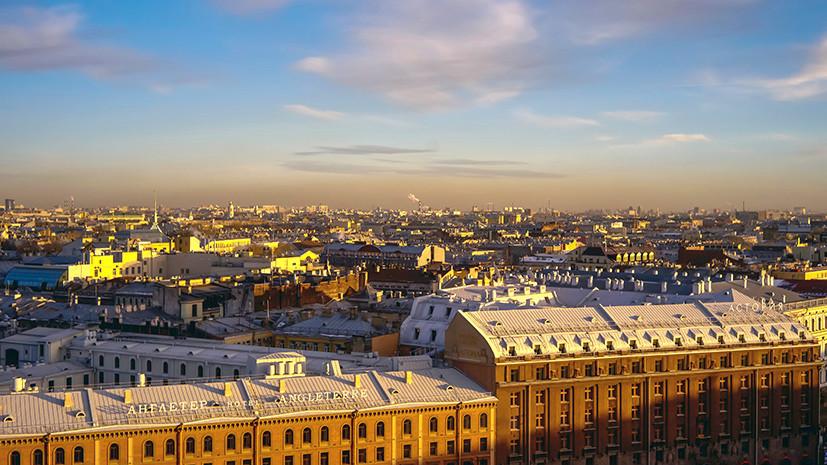 В Петербурге предложили привлекать руферов для очистки крыш от снега