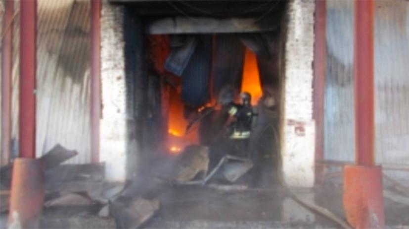 В Новосибирске произошёл крупный пожар на складе с шинами