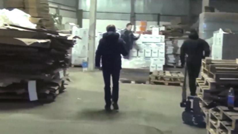 Полицейские изъяли свыше 37 тысяч литров поддельного алкоголя в Петербурге