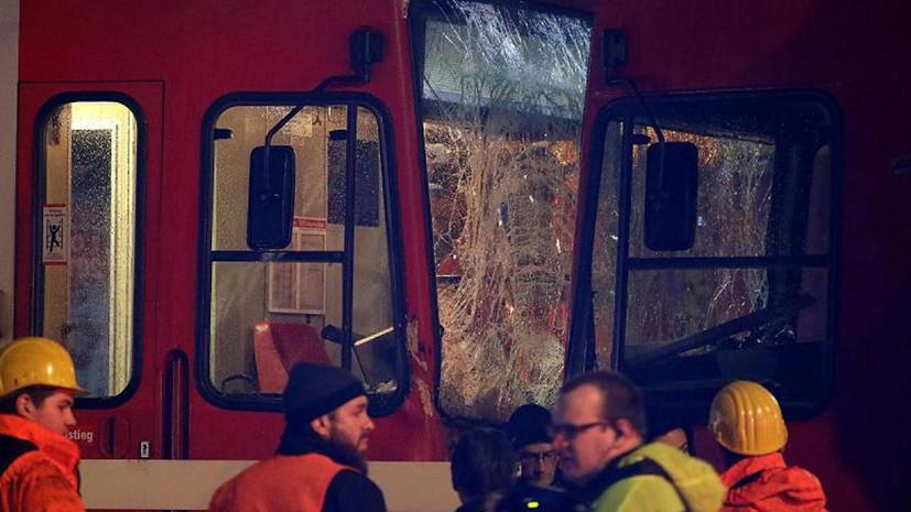 При столкновении трамваев в Кёльне пострадали более 40 человек