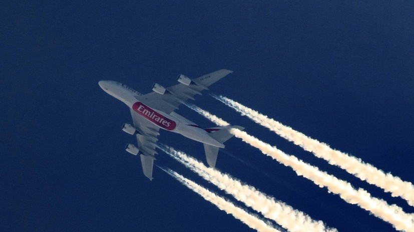 Выпавшая из самолёта в аэропорту Уганды женщина — член экипажа Emirates скончалась
