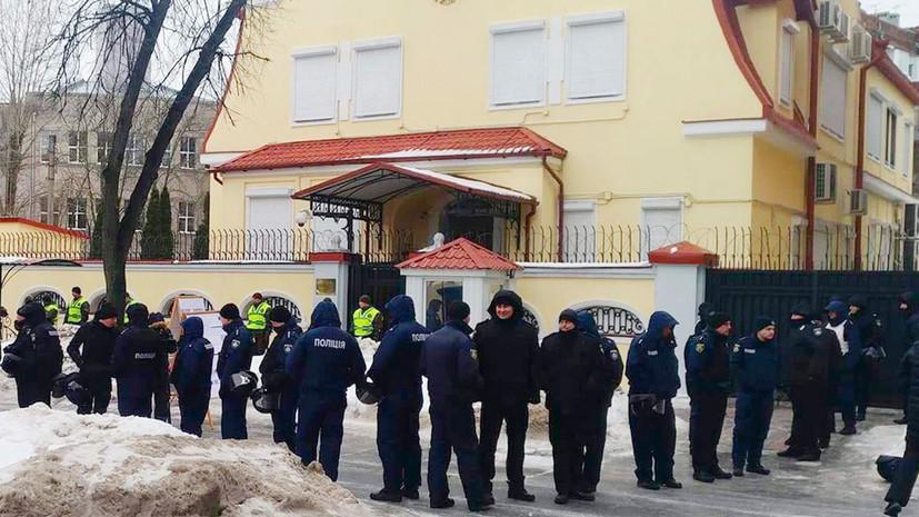 В ЦИК назвали гуманитарной агрессией блокировку избирательных участков на Украине