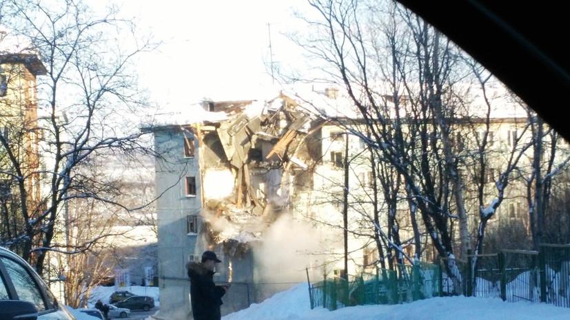 Спасатели вытащили из-под завалов в Мурманске трёх человек