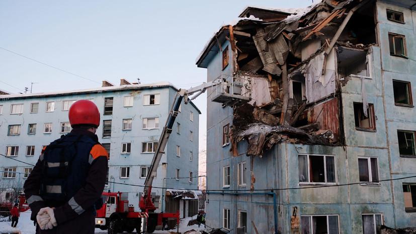 В МЧС сообщили о завершении поисково-спасательных работ на месте ЧП в Мурманске