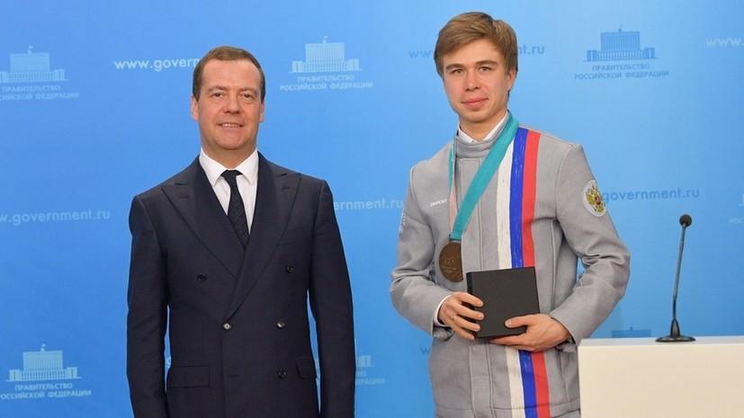 «Был рад снова увидеть российский флаг»: шорт-трекист Елистратов о медалях ЧМ, Играх в Пекине и подаренной машине