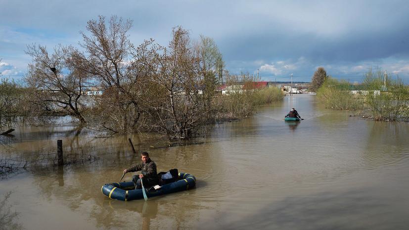 Более 450 человек эвакуировали из подтопленных домов в Алтайском крае